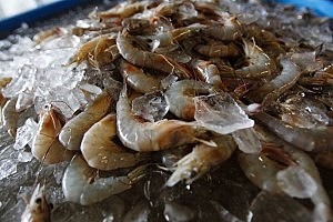 Man Tries to Steal Shrimp by Stuffing Bag Down Pants