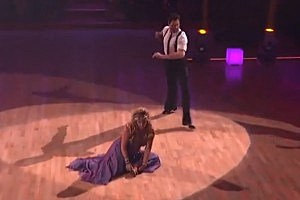 Kirstie Alley's Shoe Falls Off on 'Dancing With the Stars' [VIDEO]