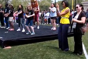 Watch Michelle Obama Do the Dougie [VIDEO]