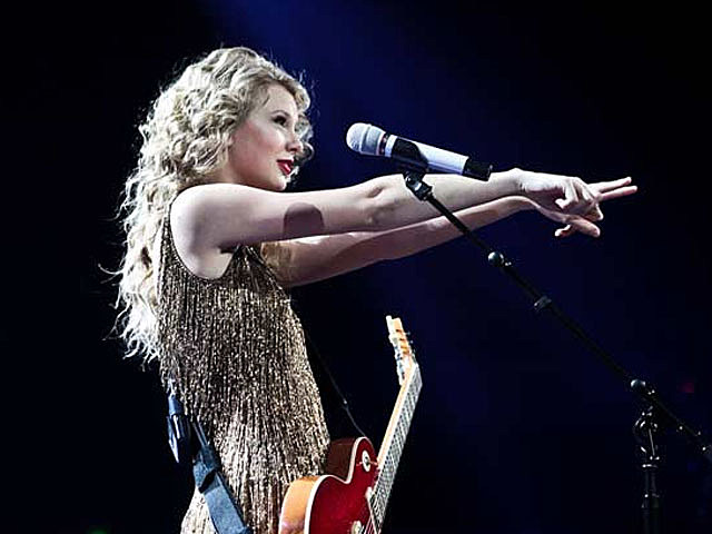 Bronchitis Forces Taylor Swift to Cancel More Shows